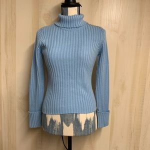 ✨3 for 20✨Dusty Blue Cropped TurtleNeck Size Small
